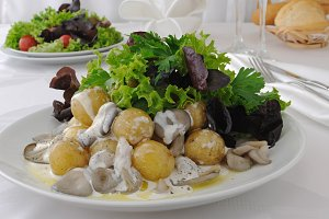 Balls potatoes with mushrooms