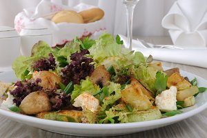 Salad with mushrooms with zucchin