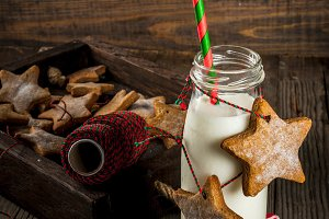 Milk with gingerbread stars