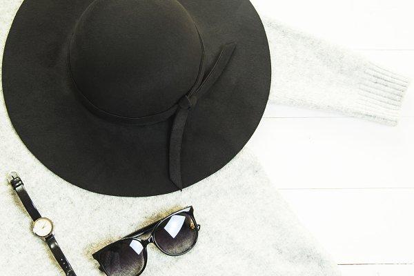 fashionable and stylish women's clo…