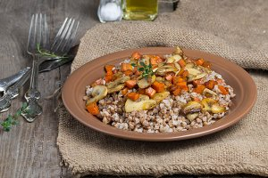 Buckwheat with mushrooms and carrots