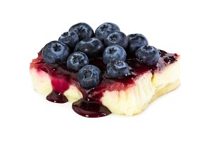 Cheesecake with fresh blueberries