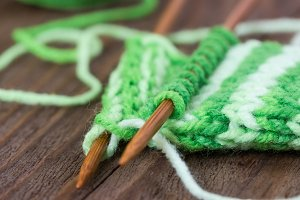 Knitting pattern of green yarn