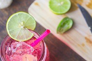 Lemon slices add sweet taste.