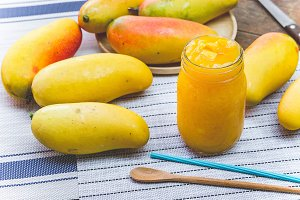 Sweet mango smoothies