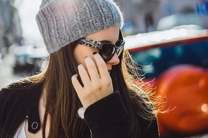 fashion brunette girl in sunglasses