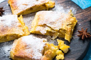 Apple strudel pie