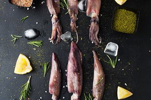 Raw squid with lemon