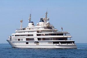 Luxury private cruise Al Said