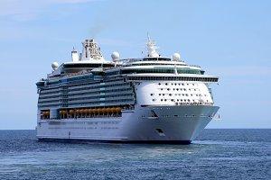 Passengers in big cruise