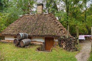 old fisherman's house in the Mamaevo Sloboda