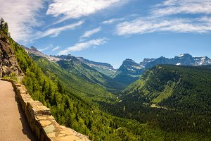Going to the Sun Road with panoramic view of Glacier National Pa