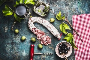 Red wine with antipasti
