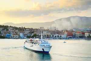 Cruise ship, Split