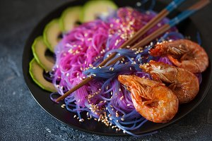 Noodles colored with red cabbage