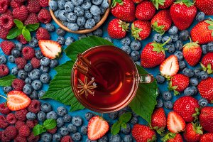 Tea with berries mix
