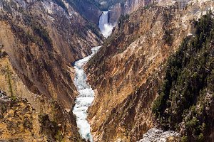 Watrerfall in Yellowstone