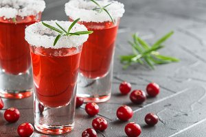 cocktail cranberry and vodka