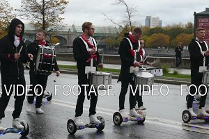 drummers on gyroscope