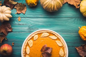 Pumpkin pie autumn background
