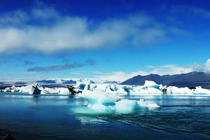 Lagoon Jokulsarlon, glacial lake and icebergs