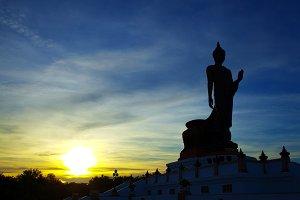 Silhouettes of the Big Buddha.
