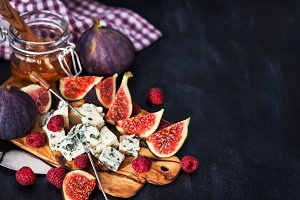Appetizer with blue cheese and figs