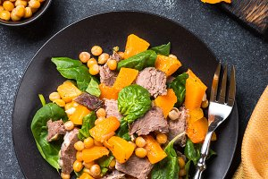 Salad pumpkin beef and spinach