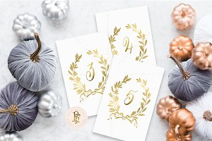 gold laurel wreath table numbers