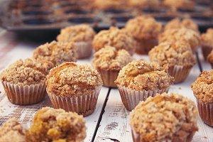 Pumpkin spice mini muffins crumb top