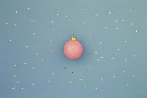 Pink Christmas ball & glitter stars