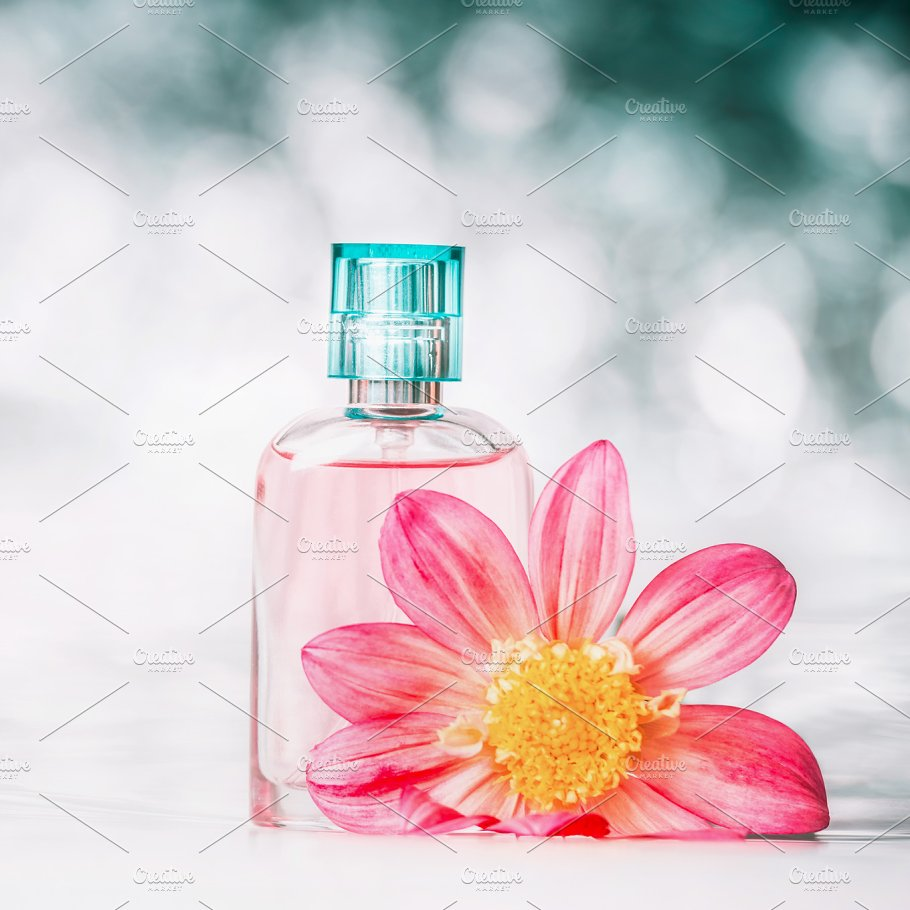 Perfume Bottles Flowers Close Up Beauty Fashion Photos