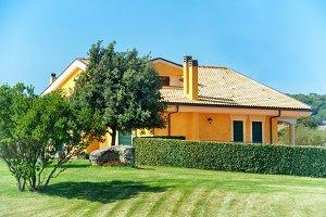 Cozy house with garden