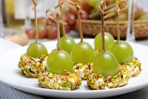 Cottage cheese cushions with grapes