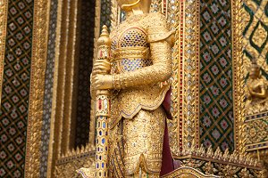 Animals in Thailand stucco literatur