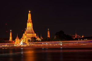 Wat Arun in the evening.
