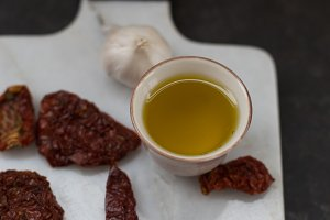 Dried tomatoes and olive oil