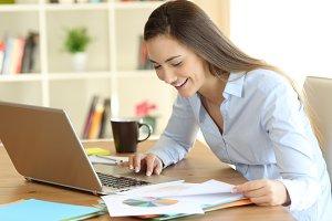Freelancer working comparing online