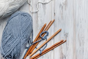 White and grey knitting threads
