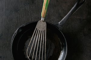 Cast-iron pan for pancakes