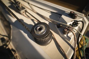 Rope winch in the boat