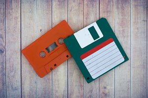Cassette and diskette