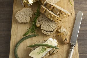 bread served with chesse brie