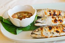 Fried mackerel with spicy sauce