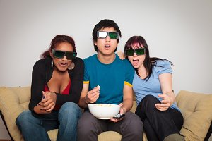 Friends Watching 3d Tv