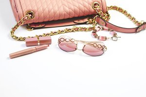 Women's set of fashion accessories