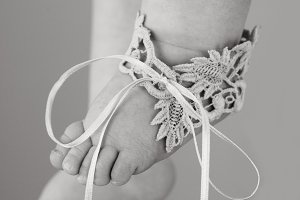 """""""Baby Foot in Lace"""""""