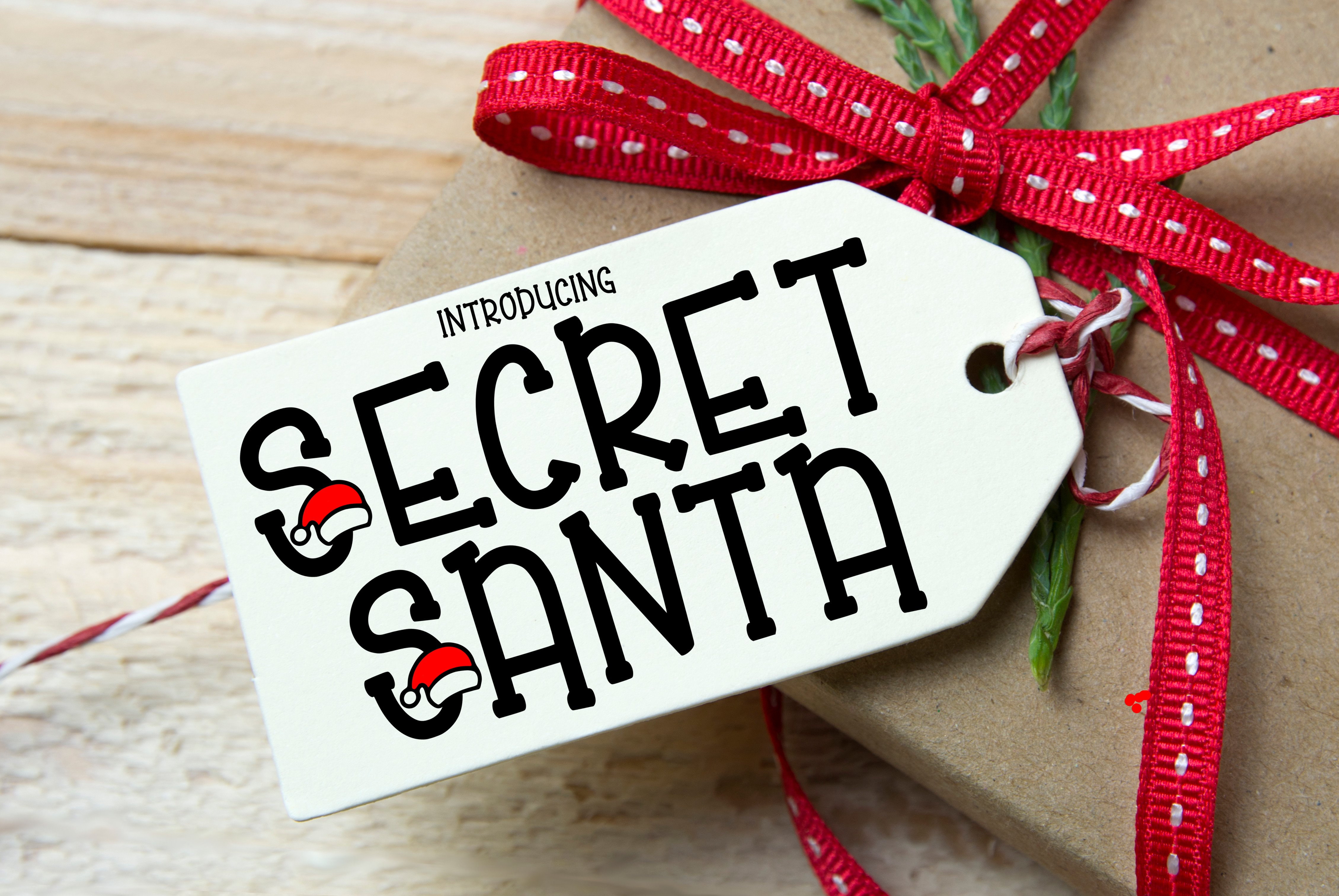Easy Gifts To Get Your Secret Santa This Christmas   Her Campus