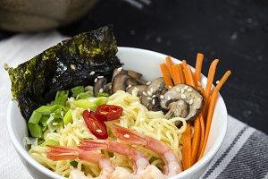 Asian noodles with shrimp