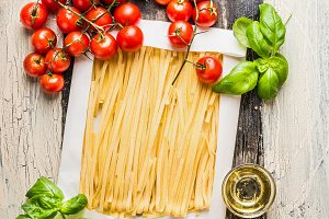 Fettuccine pasta with ingredients